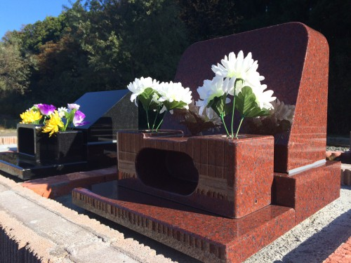 墓石が霊園「あおぞら」に設置されました。